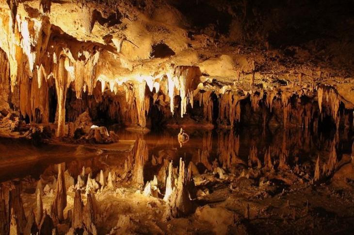 Самый большой в мире музыкальный инструмент в пещере Virginia's Luray Caverns