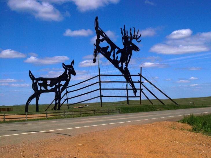 Зачарованное шоссе в Северной Дакоте создано одним человеком